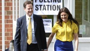 Nick Clegg y esposa