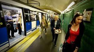 Carmena en el metro