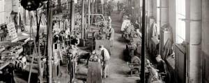 trabajadores en una fabrica.1