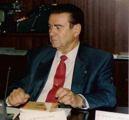 Mateo Ruiz Oriol: Elogio a un hombre discreto y gran directivo