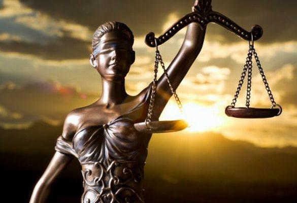 La Justicia en España está en manos de amigos, como Ollero y García Castellón