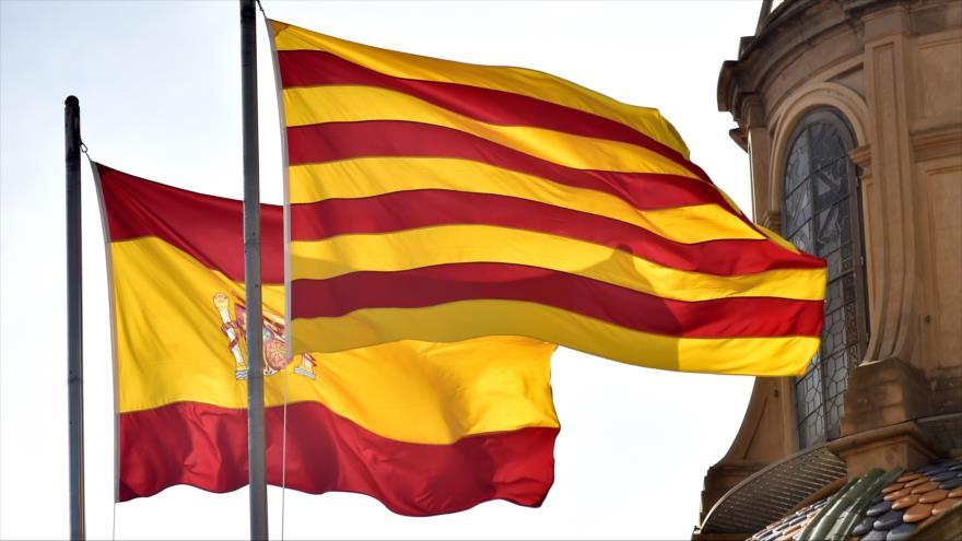 ===Una, Grande y Libre=== - Página 2 Banderas-de-Catalu%C3%B1a-y-Espa%C3%B1a