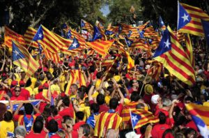 Los extremos se tocan, en Cataluña …y en España