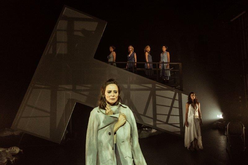 Troyanas, crítica teatral