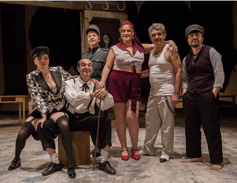Los cuernos de Don Friolera, crítica teatral