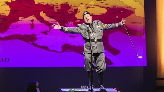 Yo, Mussolini; crítica teatral