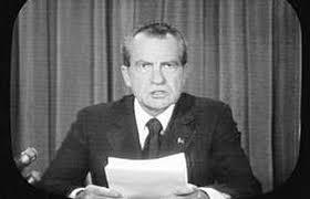 Nixon dimite