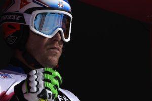 esquiador concentrado