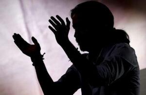 Pablo Iglesias en penumbra