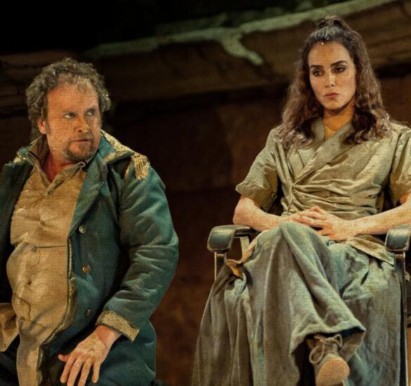 Antígona, critica teatral